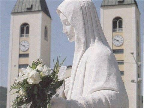 """¿Por qué la Virgen dijo """"recoger las cruces despedazadas""""?"""