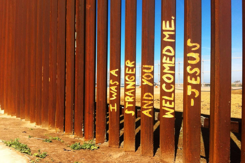 Contra la violencia del muro….la Virgen de Guadalupe.