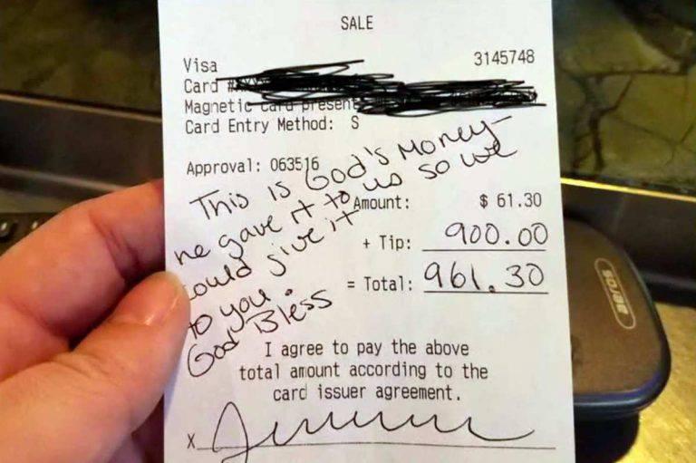 """""""Este es dinero de Dios"""": mesera embarazada es sorprendida con propina de 900 dólares"""