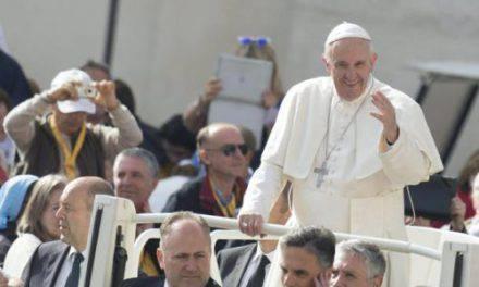 Sigue la visita del Papa a las afueras de Roma