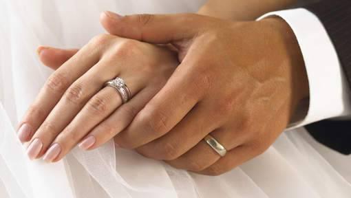 ¿Sabías que el anillo de matrimonio puede llegar a tener la fuerza de un exorcismo?