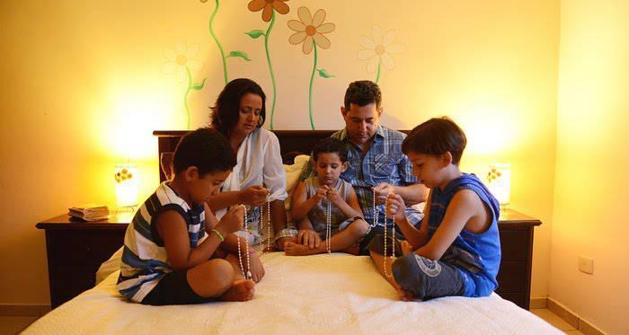 Oración para vivir en paz en Familia