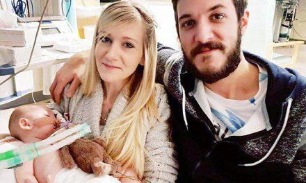 """Enfermedad de Charlie Gard llegó a un punto """"sin retorno"""" y padres se despiden así"""