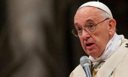 """El Papa Francisco pide perdón por los curas pedófilos: """"¿Cómo se puede causar tanto daño?"""""""
