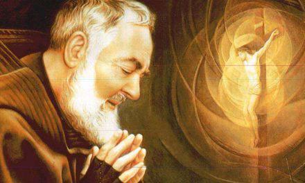 """Oración de Padre Pío de Pietrelcina: """"Quaédate, Señor, conmigo"""""""