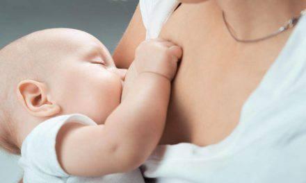 Una mujer transexual logra amamantar a su bebé, gracias tratamiento hormonal