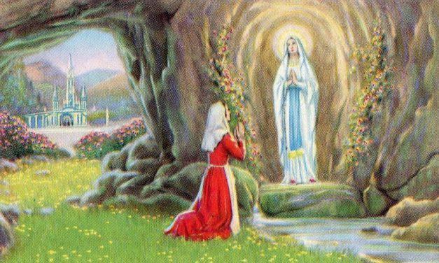 Dia De La Virgen De Lourdes: La Luz De Maria