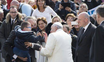El encuentro del Papa y el niño con Síndrome de Down