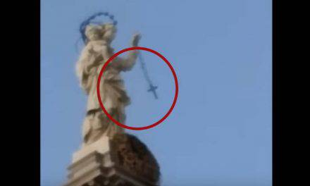 Milagro en Pompeya, Nuestra Señora comienza a balancear el Santo Rosario – VIDEO