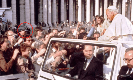 Estas cuatro veces Dios salvó a San Juan Pablo II