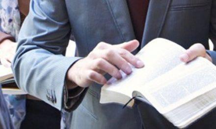 Fue testigo de Jehová durante 13 años, ahora su única misión es denunciar las mentiras que vivió