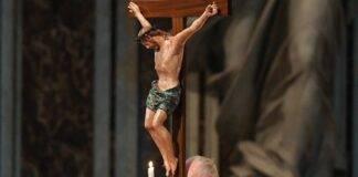 Jesus Cruz Papa Francisco